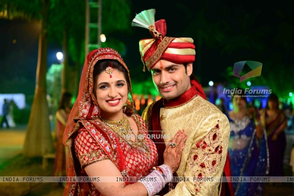 Vivian Dsena and Vahbbiz Dorabjee at their marriage ceremony