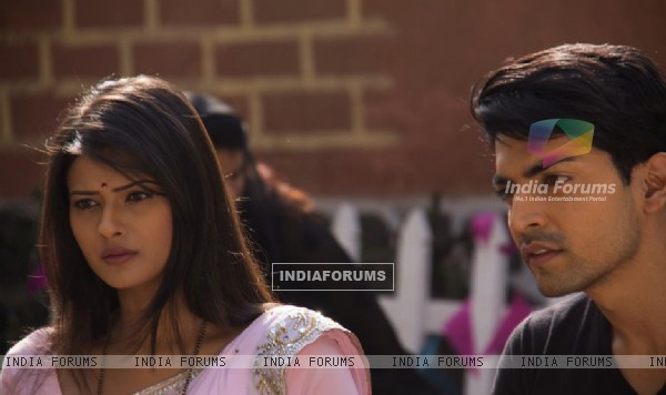 Gurmeet and Kratika on sets during Punar Vivah outdoor shoot
