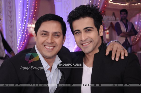 Rakesh Kukreti and Dishank Arora in Punar Vivah