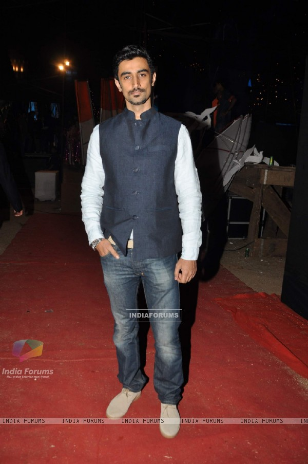 Bollywood actor Kunal Kapoor at Global Sounds of Peace Concert organised by music director Aadesh Shrivastava's in Andheri Sports Complex Grounds, Mumbai on Wednesday, January 30th, evening.