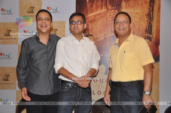 Vidhu Vinod Chopra launched book Our Moon has blood clots
