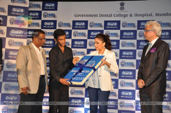 Madhuri Dixit At Oral-b Dental Camp