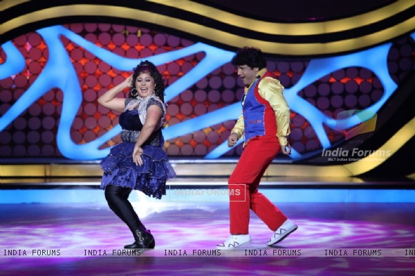Bhabho aka Neelu with Arvind during their performance on Nach Baliye 5