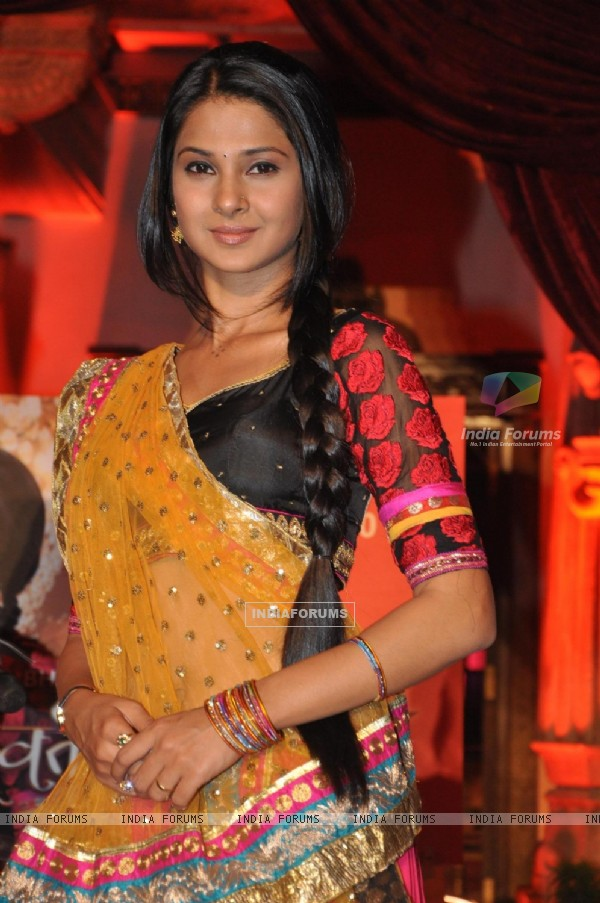 Jennifer Winget in Saraswatichandra on Star Plus