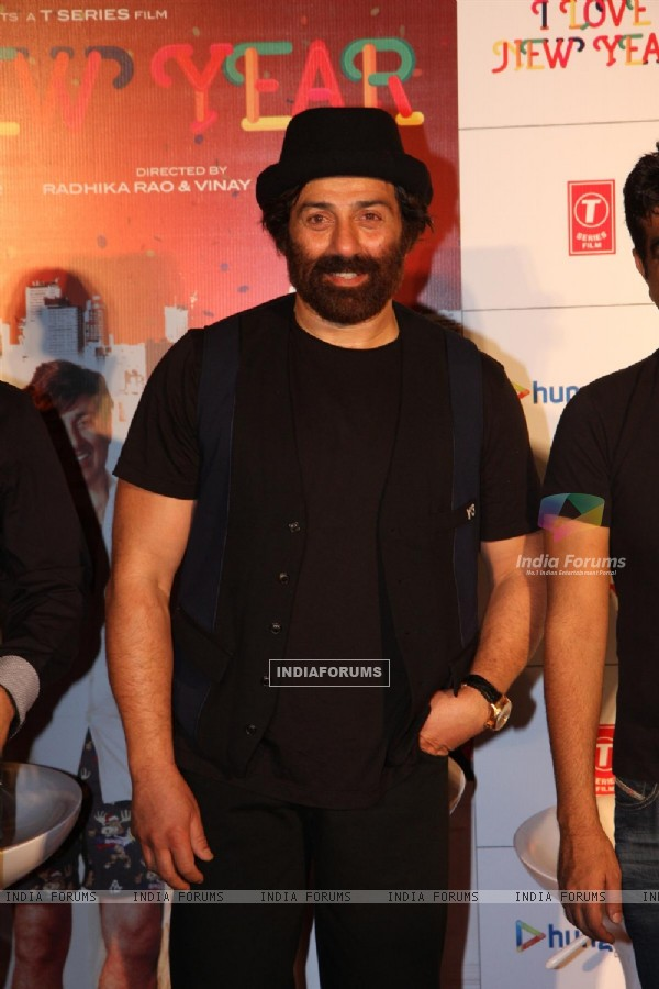 Sunny Deol and Kangana Ranaut at film I LOVE NY theatrical trailer launch