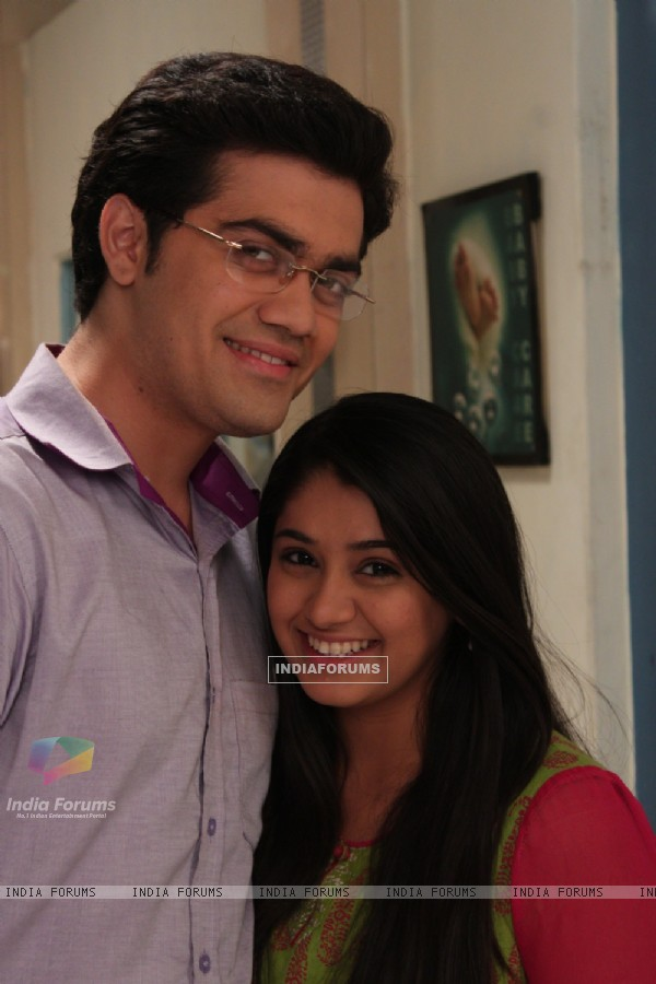 Rishabh Tripathi as Amit and Chandni Bhagwanani as Amita in Amita Ka Amit