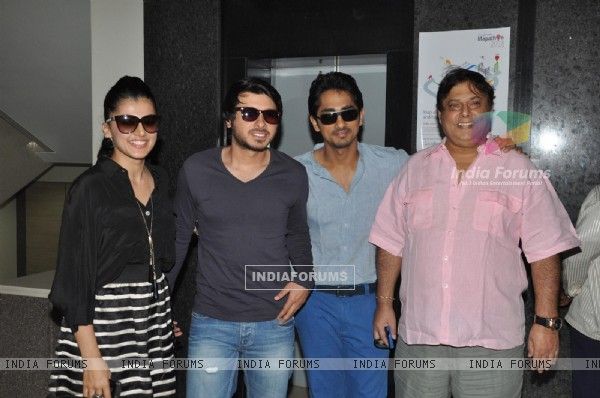 Tapsee Pannu, Divyendu Sharma, Siddharth Narayan and David Dhawan at Film Chashme Baddoor Promotion