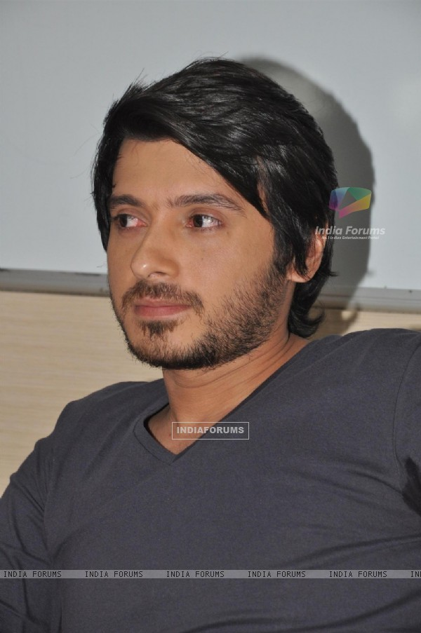 Divyendu Sharma at Film Chashme Baddoor Promotion on Meethi Bai College