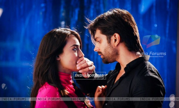http://img.india-forums.com/images/600x0/270254-asad-zoya.jpg