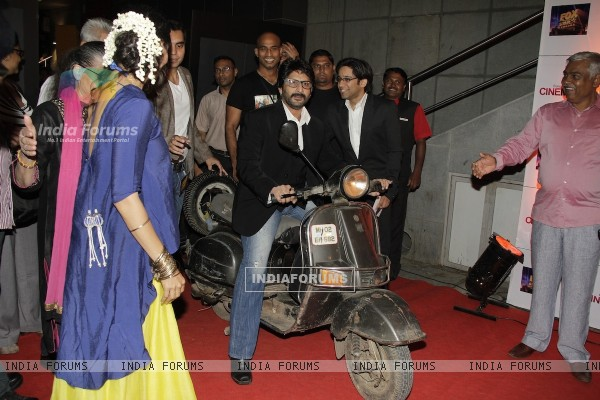 Arshad Warsi at Premiere of movie Jolly LLB