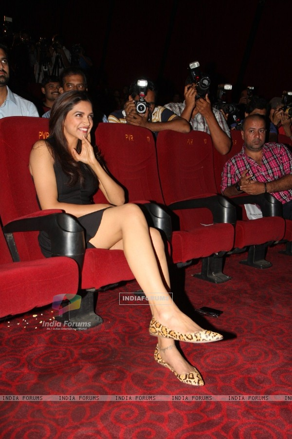 Deepika Padukone at Film Yeh Jawaani Hai Deewani first look launch