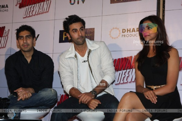 Ayan Mukherjee, Ranbir Kapoor and Deepika Padukone at Film Yeh Jawaani Hai Deewani first look launch