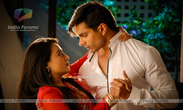 http://img.india-forums.com/images/600x0/273208-ksg-surbhi.jpg
