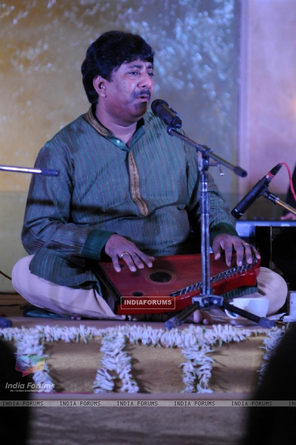 Le Club Musique's soulful evening with Talat Aziz and Ustad Rashid Khan
