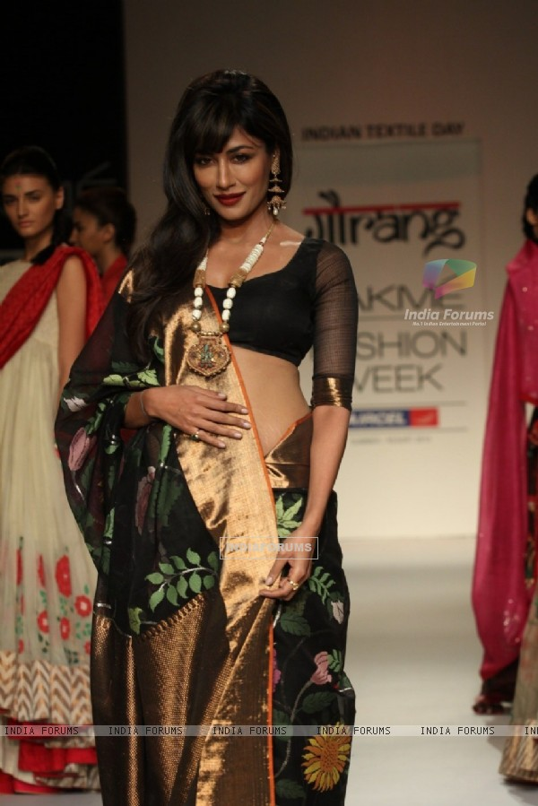 Chitrangada Singh as showstopper for designer Gaurang at Lakme Fashion Week Summer 2013