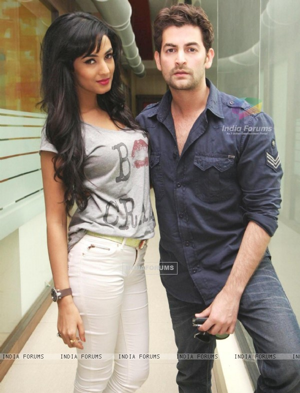 A still of Sonal Chauhan and Neil Nitin Mukesh