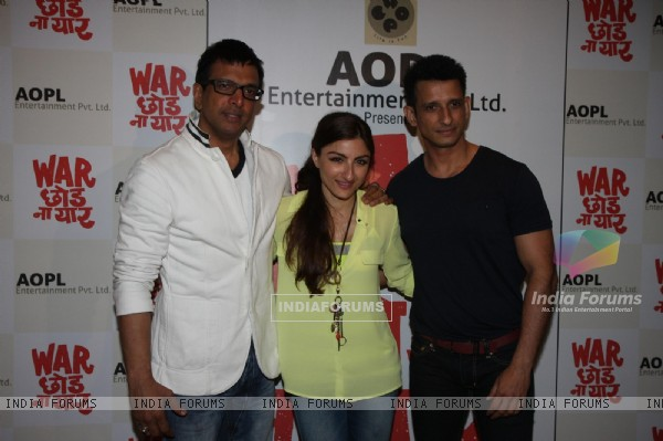Javed Jaffrey, Soha Ali Khan and Sharman Joshi at Film War Chodd na yaar First look