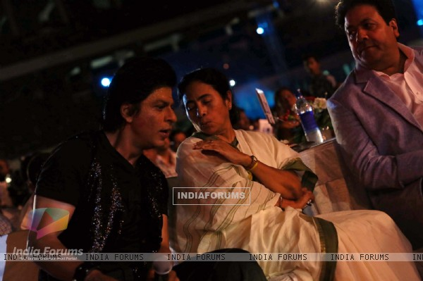 Shahrukh Khan, Mamta Bannerjee and Rajeev Shukla at IPL 6 opening ceremony in Kolkata