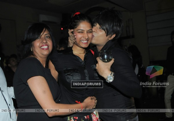 Swati Loomba, Priyanka & Rohit Verma at Rohhit Verma's surprise Birthday party for Swati Loomba