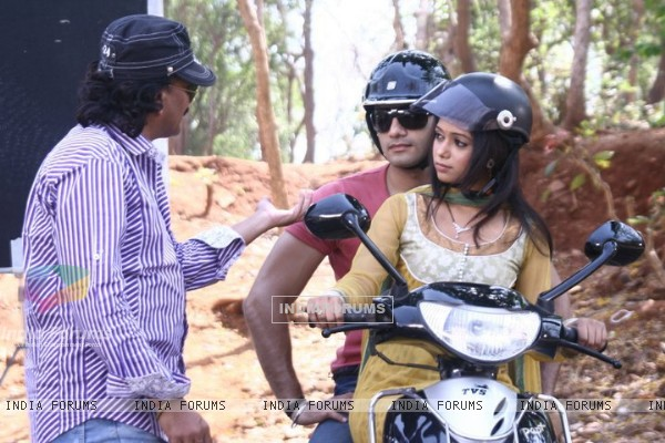 Yashashri and Karan in scooty