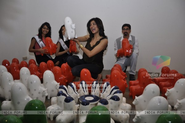 Sushmita Sen at an Art event