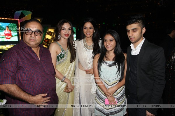 Srievi with Rajkumar Santoshi, Manila, Tanisha at Sahara Pariwar Bash For Padma Shri Sridevi