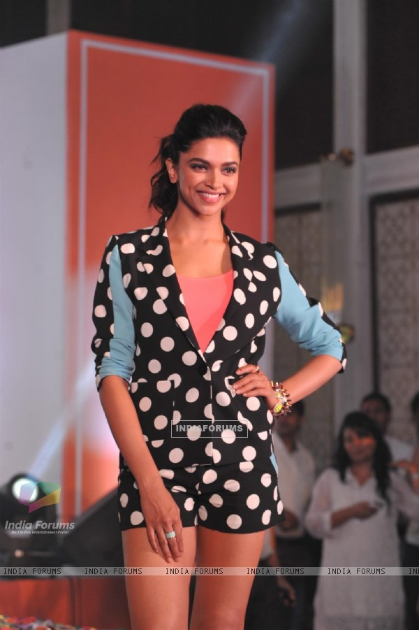 Deepika Padukone gestures during the unveiling of Jabong.com new collection