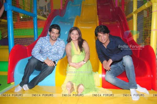 "Amit Tandon,Suhana Sinha,Nikhil Sinha at launch of Suhana Sinha and Amit Tandon's ""Play Around"""