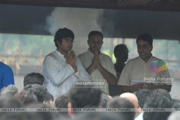 Siddharth Chopra's father's funeral