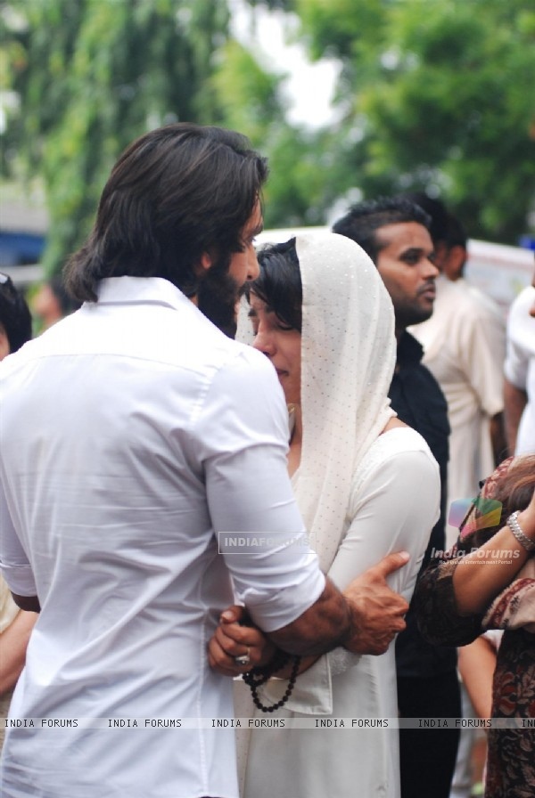 Ranveer Singh with Priyanka Chopra at Priyanka Chopra's father's funeral