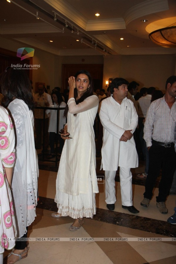 Deepika Padukone attend condolence meet of Priyanka Chopra's father Ashok Chopra