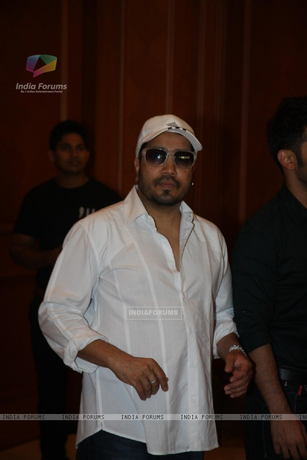 Mika Singh attend condolence meet of Priyanka Chopra's father Ashok Chopra