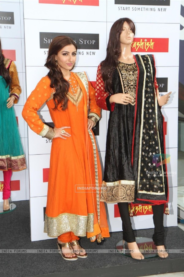 Soha Ali Khan at Shoppers Stop launch of salwar kameez & kurti