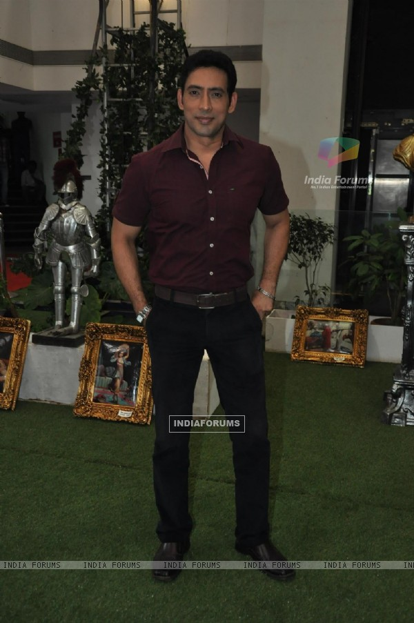 Hrishikesh Pandey at Film Bajaate Rahoo Promotion on the set of CID