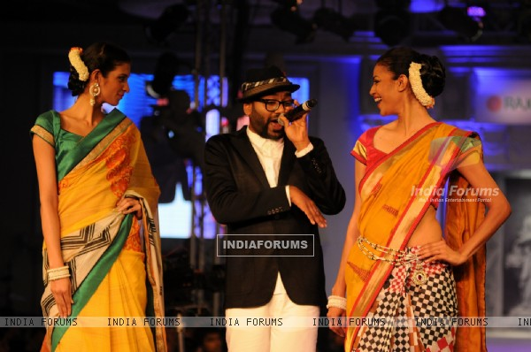 Rajguru Fashion Parade