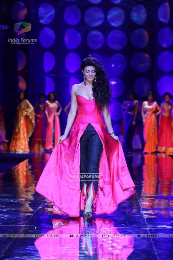 Jacquilene Fernandez at Aamby Valley India Bridal Fashion Week 2013