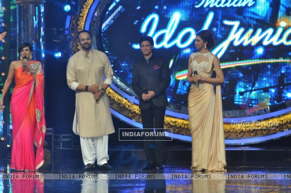 Film Chennai Express Promotion at Indina Idol Junior Set