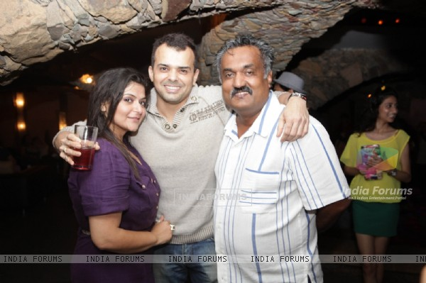 Pragati Mehra, Prashant Bhatt, Pintoo Guha at surprise birthday bash for Vaishali Thakkar