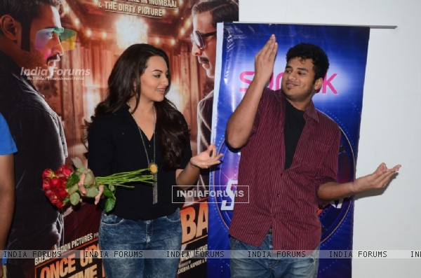 Sonakshi Sinha with India's Dancing Superstar contestant Loyola Dream team