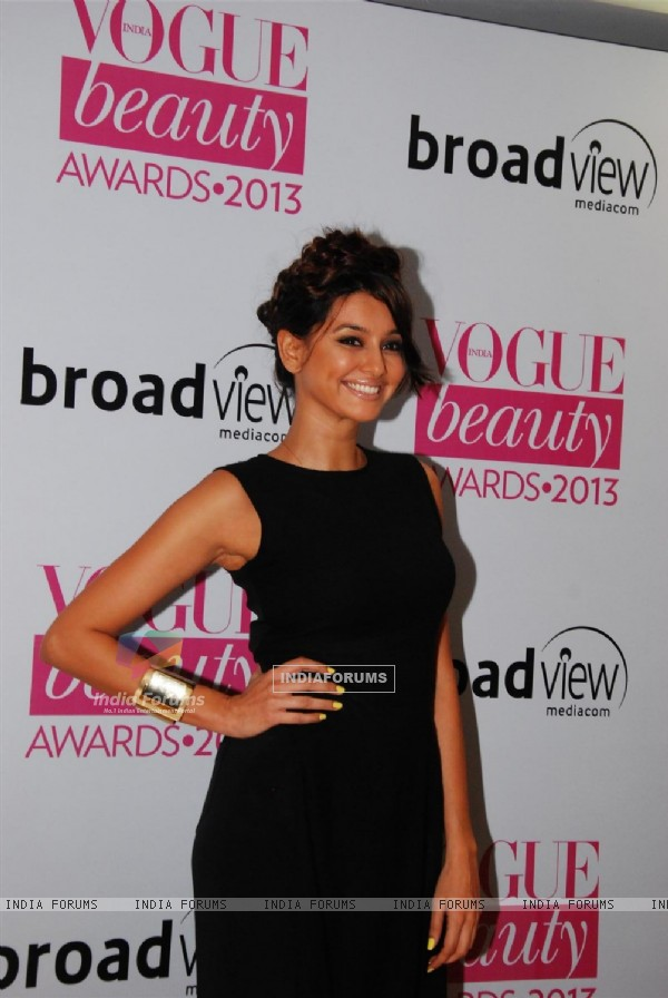 Celebs at Vogue Beauty Awards 2013