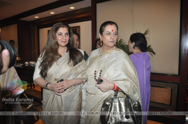 Dimple Kapadia and Poonam Sinha at the Unveiling of the Statue of Rajesh Khanna