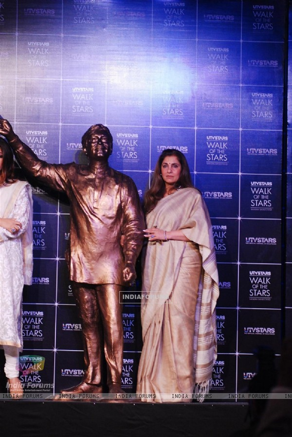 Dimple Kapadia and at the Unveiling of the Statue of Rajesh Khanna