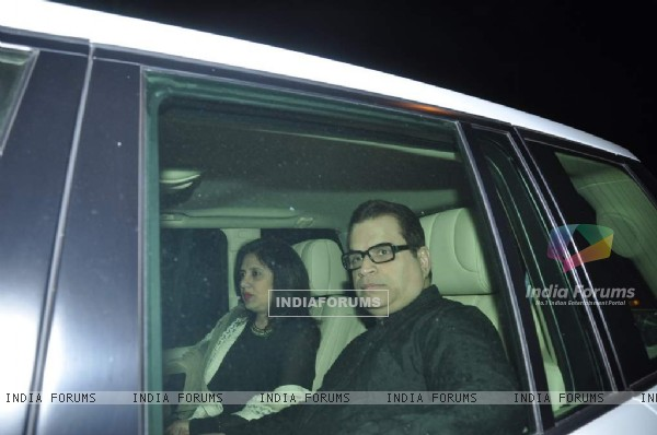 Ramesh Taurani arrives at Shahrukh Khan's Grand Eid Party