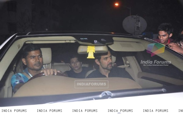 Hrithik Roshan arrives at Shahrukh Khan's Grand Eid Party