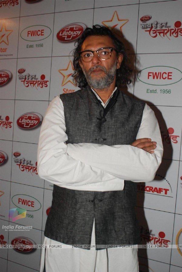 Rakeysh Omprakash Mehra does his bit by supporting the donation drive