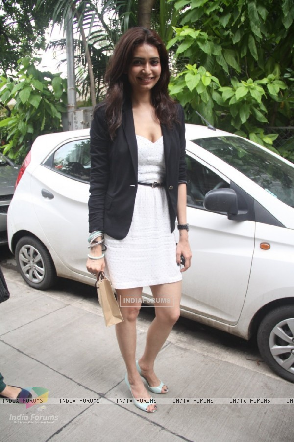 Karishma Tanna arrives at Malhar festival 2013