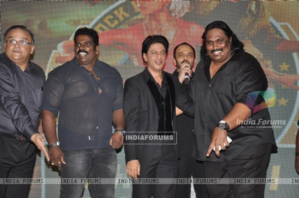 Shahrukh Khan with the main villians of Chennai Express at the success party