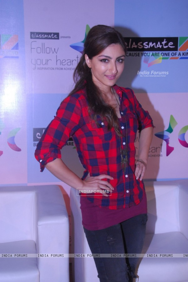 Soha Ali Khan was seen at 'Follow Your Heart' event by ITC Classmate