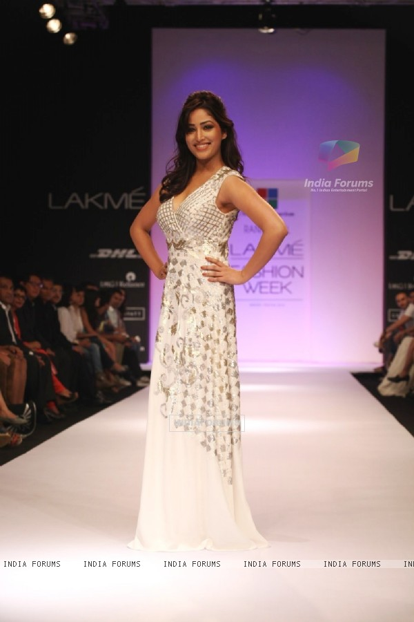 Yami Gaurtam in a Ranna Gill outfit at LAKME FASHION WEEK 2013