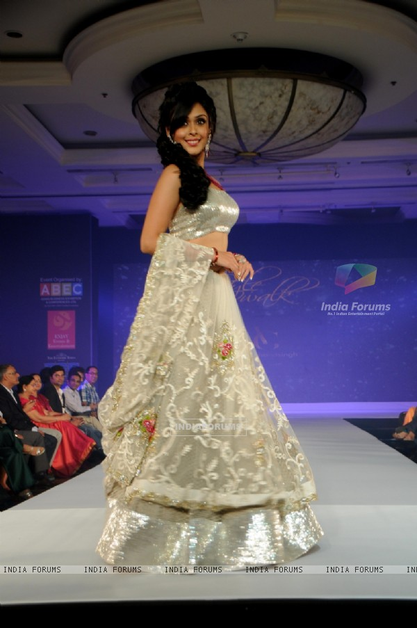 Hrishita Bhatt at the Glamour Style Walk